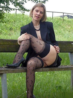 xxx mature in stockings pictures