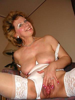 mature stocking moms