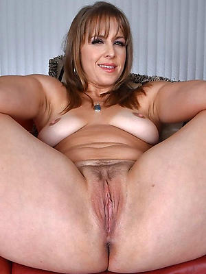 free pics of nude milf pussy