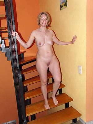 mature nude moms adore porn