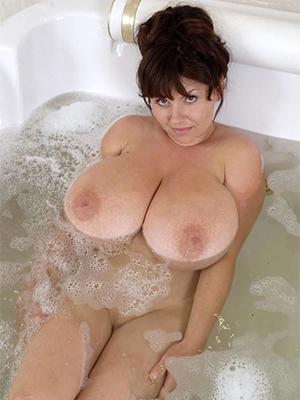 slutty nice mature boobs