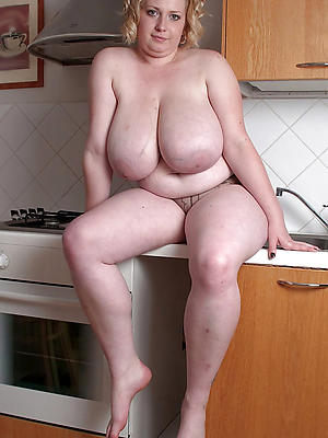 xxx free grown-up mom boobs