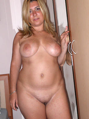 beauties hot mature moms pics