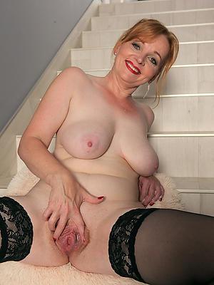 beautiful horny naked mature women pics
