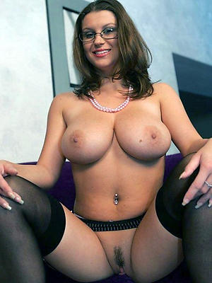 gorgeous pics of mature milfs