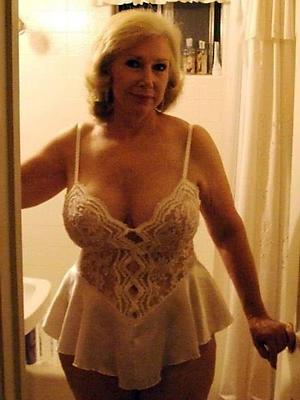super-sexy mature aged gentlemen porn pics