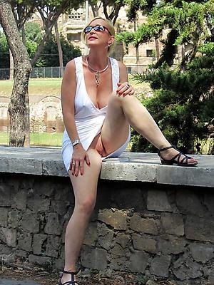 free pics be proper of mature lady upskirt