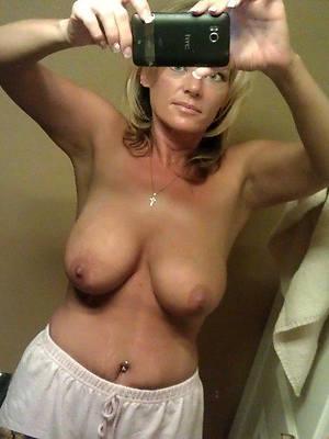 easy pics of titillating selfies mature