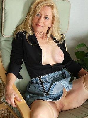 matures in jeans nude pictures