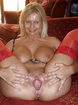 mature shaved pussies
