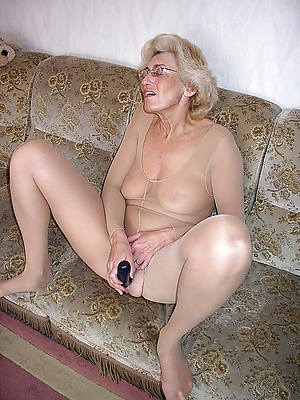 beautiful naked over 60 mature pics