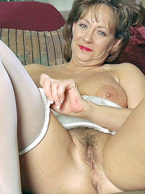 60 women naked over Nude Oldies