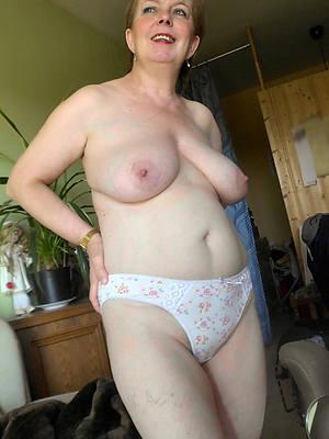 best mature column posing nude
