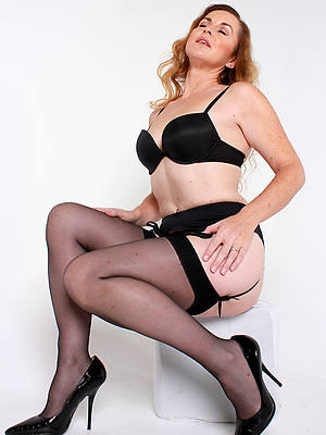 sexy mature thither nylons