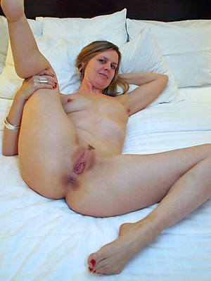 hotties hot mature nudes pictures
