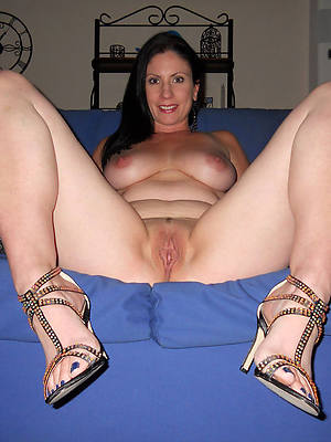 free pics for mature body of men legs