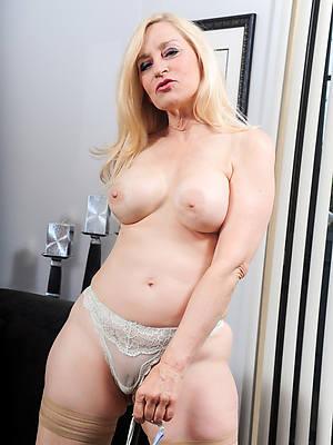 naught mature blonde pussy porn pics
