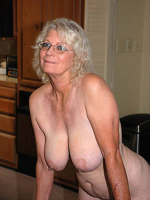 xxx free old mature unadorned women pictures