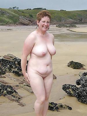 free pics of mature women unfold beach