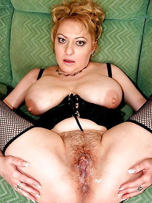 grown-up milf xxx posing nude
