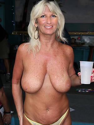 nonconformist beautiful mature pussy nude photo