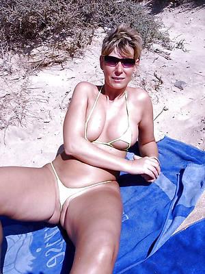 gorgeous mature women bikinis bare-ass photos