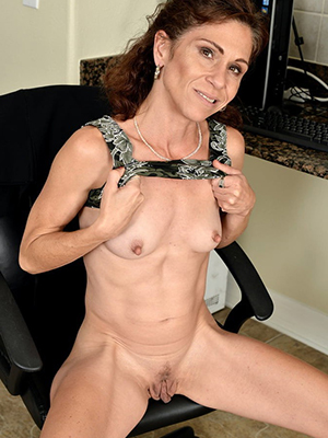 mature women old hd porn