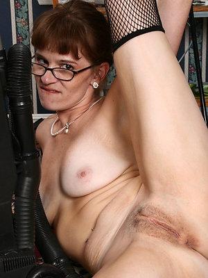 nasty mature women in glasses pics