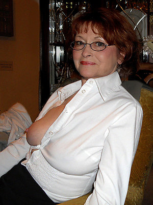 curvy mature women in glasses lay bare