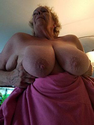 beauties saggy granny tits pics