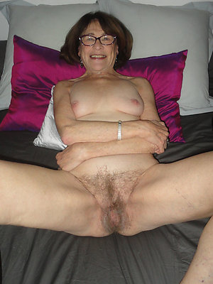 Mature gilfs flashing