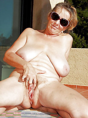 free pics of old naked grannies