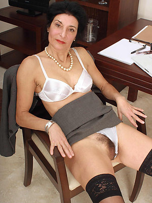 slutty mature hairy women gallery