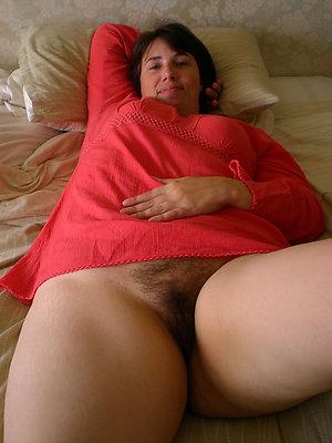 naughty hairy mature pussy sex pics