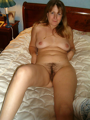 slutty hairy mature sex pics
