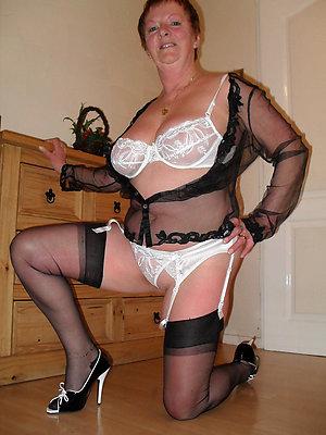 unorthodox pics of mature milf involving heels