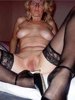 ill-tempered mature legs heels pics