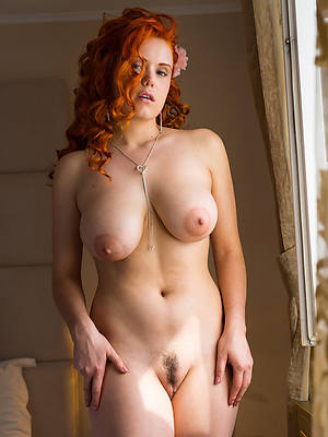easy pics of mature redhead pussy