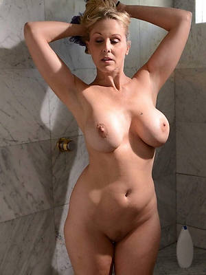 pulchritudinous mature in the shower homemade pics