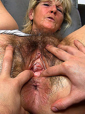 mature pussy lack of restraint 60