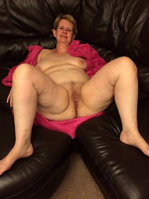 mature sexy feet nude pics