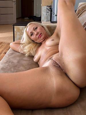 crazy mature amateur wives nude pics