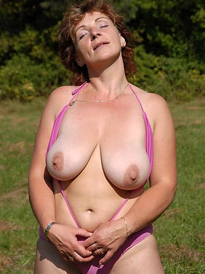 xxx free in the buff mature amateurs