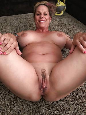 perfect full-grown bared ladies pics