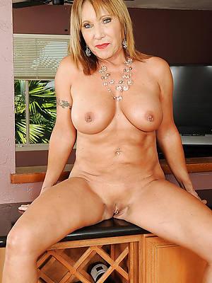 gorgeous mature older column homemade porn pics