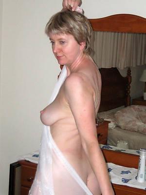 free pics of mature amateur women