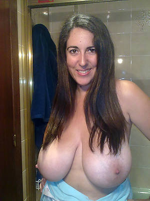 perfect massive mature tits nude pictures