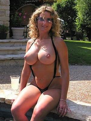 beautiful women in bikinis stripped