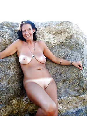 slutty mature on nude strand pics