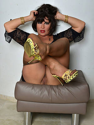 hot brunette mature uncovered